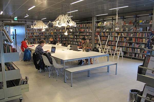 Rentemestervej Library, Copenhagen - Studying youth